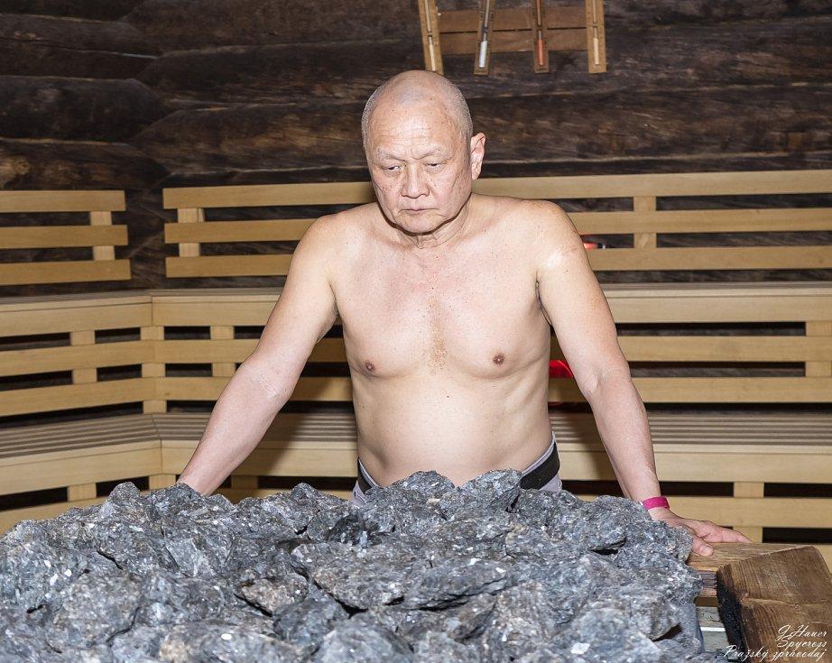 Mistr saunování Lay Pang Ong