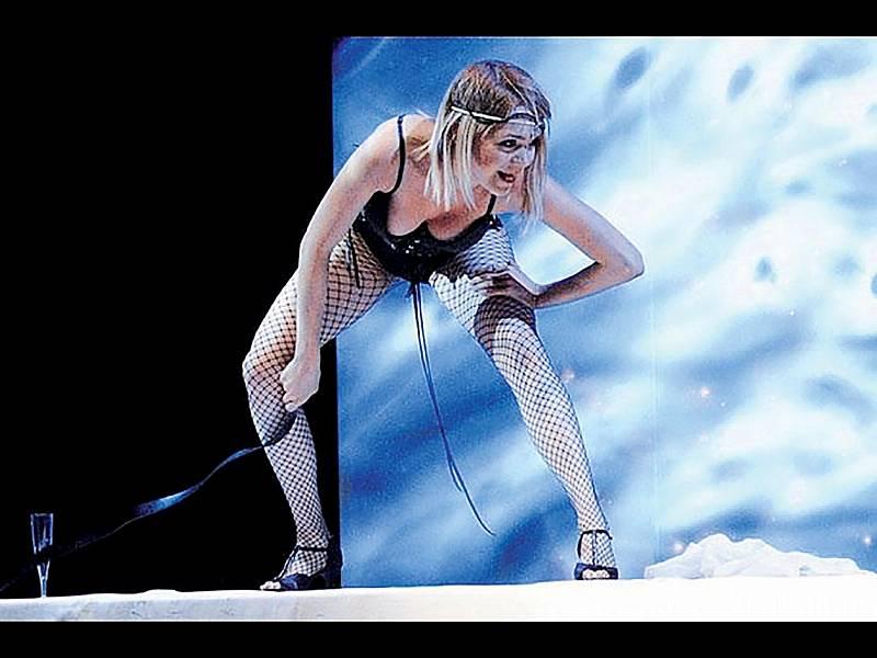 V muzikálech spojila své dvě velké vášně, a to zpívání a hraní. V muzikálu Excalibur ztělesnila v roce 2003 zlou čarodějnici Morganu. Její oblíbenou rolí byla ale také například Hanka ve Starcích na chmelu nebo Karin v muzikálu Daniela Landy Touha.