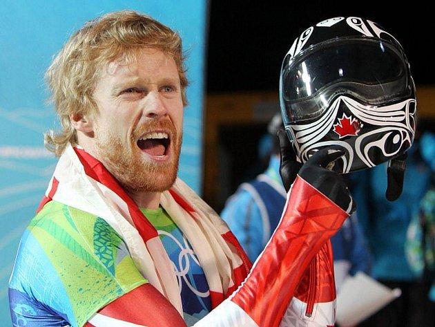 Kanaďan Jon Montgomery vyhrál olympijský závod skeletonistů.