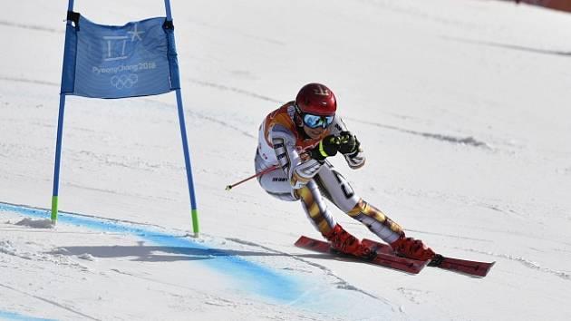 Ester Ledecká ve sjezdu na olympijských hrách v Pchjongčchangu.