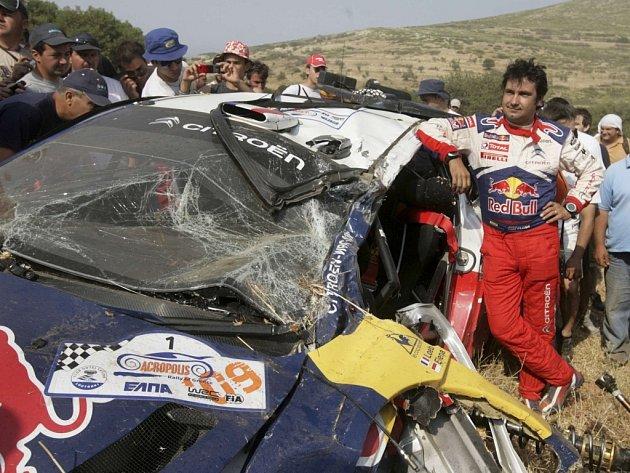 Spolujezdec Sebastiana Loeba Daniel Elena po nehodě na Rallye Akropolis.