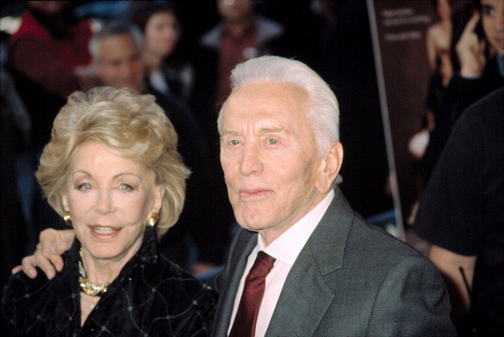 Kirk Douglas s manželkou Anne
