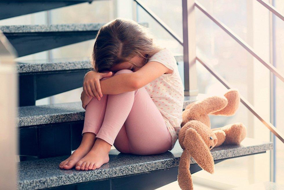 Sehnat dětského psychologa není vůbec jednoduché. Buď vás odmítne úplně, anebo si na termín počkáte i několik měsíců.