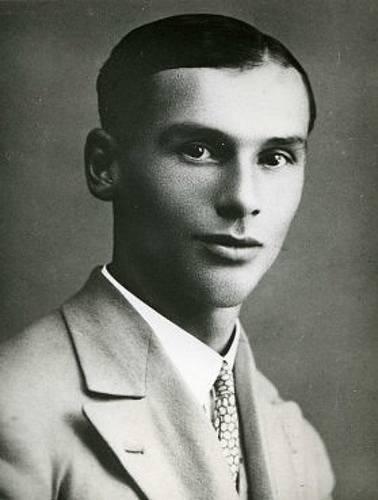 Spolu s Miladou Horákovou byl popraven také Záviš Kalandra, český divadelní a literární kritik, historik a novinář