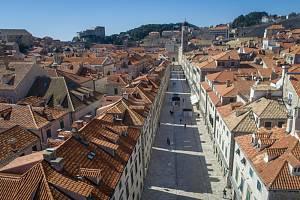 Liduprázdný Dubrovník v Chorvatsku.