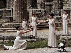 Řecko se připravuje na pondělní zapálení olympijské pochodně.
