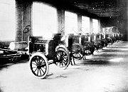 Továrna Fordu v americkém Twin Cities (1912).