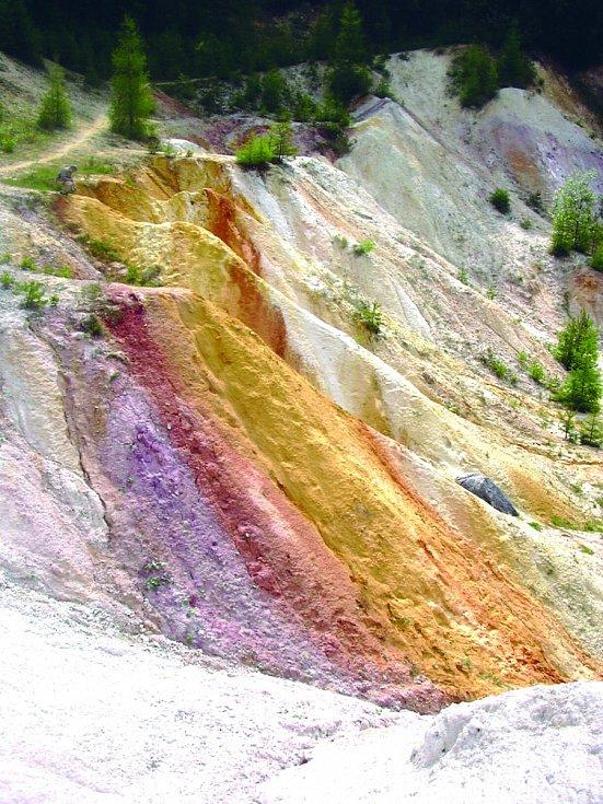 Bývalý kaolínový důl Seč v lese poblíž obce Rudice na Blanensku dnes vypadá jako z pohádky.