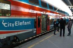 Dráhy zkouší, zda se City Elefant osvědčí i na dálkových tratích.