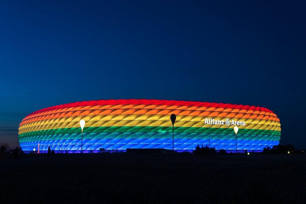Allianz Arena v Mnichově.