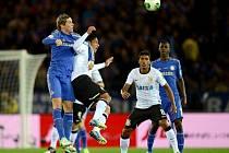 Kanonýr Chelsea Fernando Torres (vlevo) ve finále MS klubů proti Corinthians.
