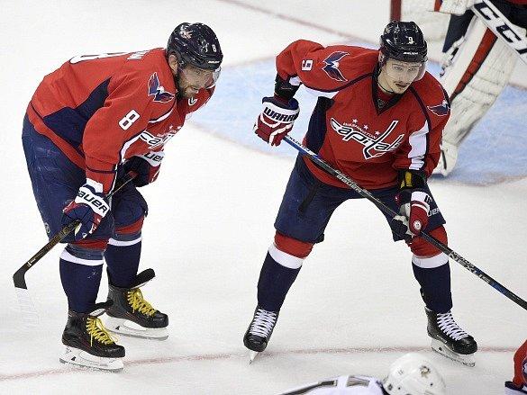 Alex Ovečkin a Dimitryj Orlov v dresu Washington Capitals.