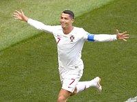 Šampionát zná první osmifinalisty. Ronaldo má rekord