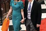 Britský premiér David Cameron přichází na svatbu.