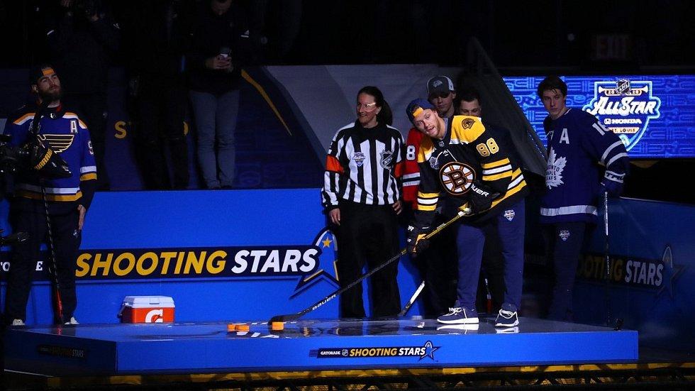 David Pastrňák během dovednostních soutěží NHL.