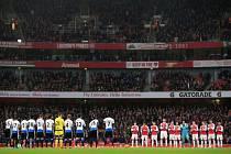 Minuta ticha za Pavla Srníčka při zápase Arsenal - Newcastle