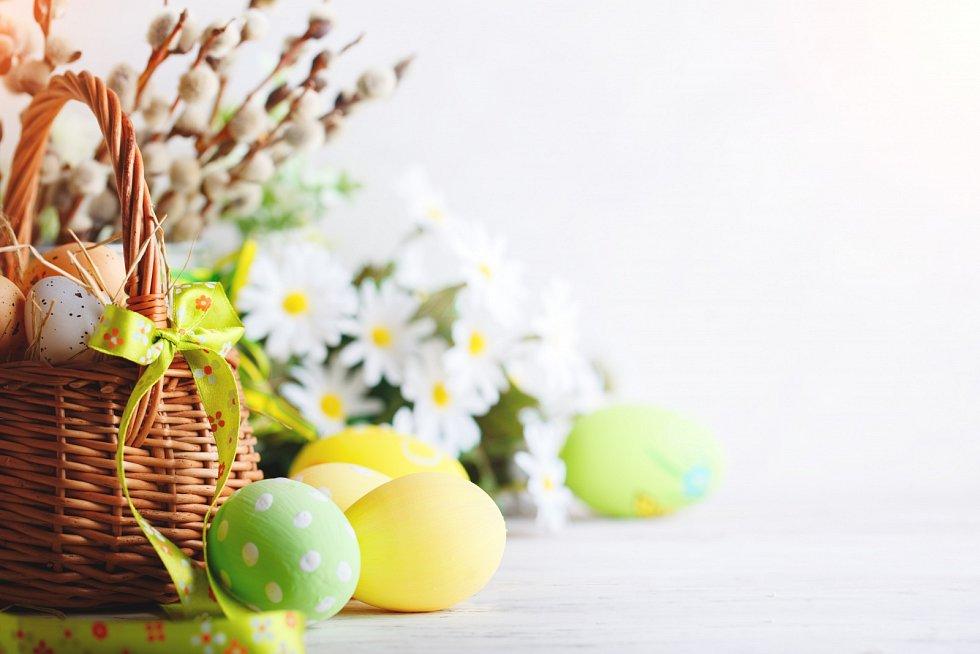 Velikonoční výzdoba by měla evokovat jaro.