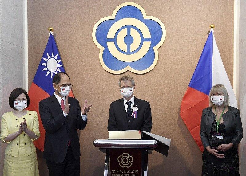 Předseda Senátu Miloš Vystrčil na konci srpna vyrazil na historickou návštěvu Tchaj-wanu.