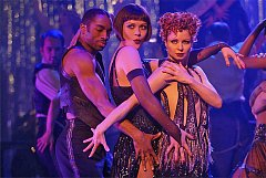 Chicago (2002) s Catherine Zetou-Jones uprostřed.
