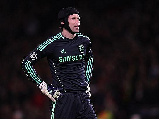 Gólman Chelsea Petr Čech.