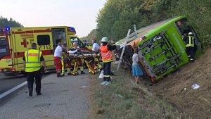 Na severu Německa havaroval v pátek ráno autobus FlixBusu, zraněno bylo šestnáct lidí.
