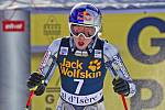 Česká lyžařka Ester Ledecká v cíli sjezdu ve Val d'Isere