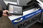 Policie České republiky spolu s celní správou a firmou Cendis představila 27. listopadu u Poříčan na Kolínsku takzvané kufry - mobilní sady pro kontrolu elektronických dálničních známek