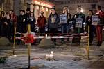 Pieta na počest Piotra S., který se upálil na protest proti vládě strany Právo a spravedlnost