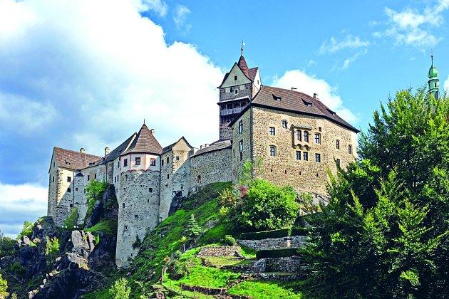Hrad Loket. Jediný meteoritem zasažený hrad v Česku.