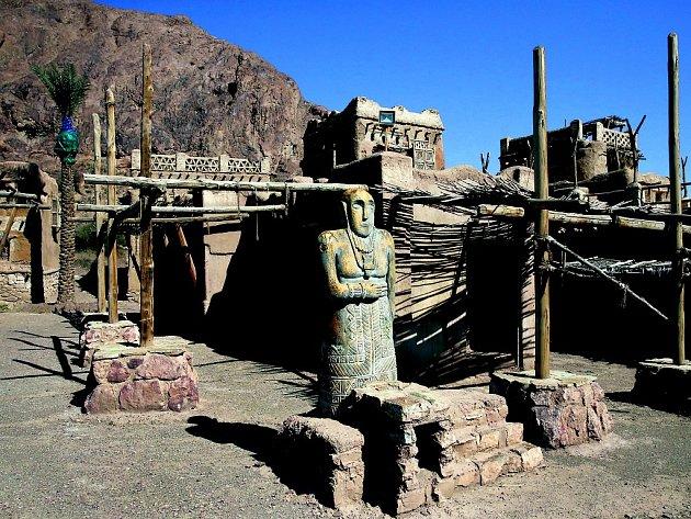 Íránští filmaři na produkci nešetřili, v malé vesnici vyrostla replika posvátného města Mekka z prorokových časů.