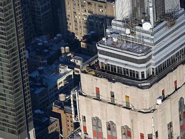 Ford slaví 50 let modelu Mustang. Třeba tak, že nejnovější generaci vystavil na vrcholu Empire State Building.