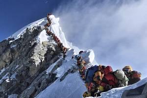 Horolezci na Mount Everestu