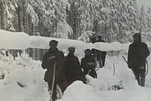 Námraza na vedení v roce 1985