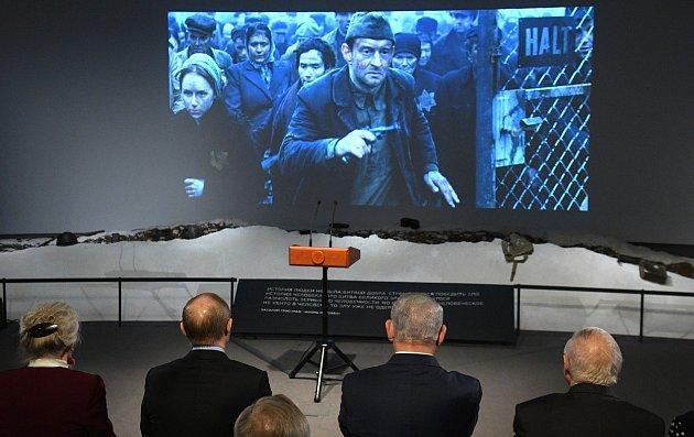 Ruský prezident Vladimir Putin a izraelský premiér Benjamin Netanjahu sledují v Moskvě film o povstání v Sobiboru u příležitosti jeho 75. výročí. Ilustrační snímek
