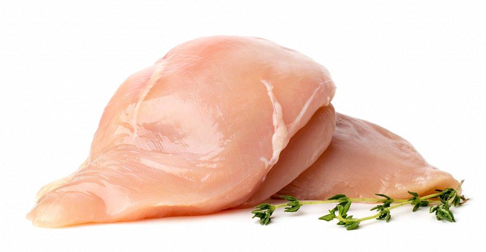 Posyté snídani až tak velký hlad před obědem není. Zvolit tedy můžete například nebo dušené maso (ryba, drůbež) se zeleninou.