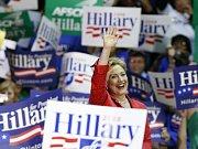 Hillary Clintonová tvrdí, že boj o nominaci na prezidentský úřad stále nevzdává.