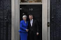 Andrej Babiš na setkání s britskou premiérkou Theresou Mayovou