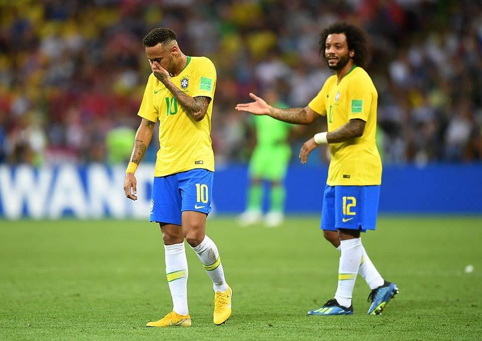Neymar a Marcelo smutní po vyřazení.