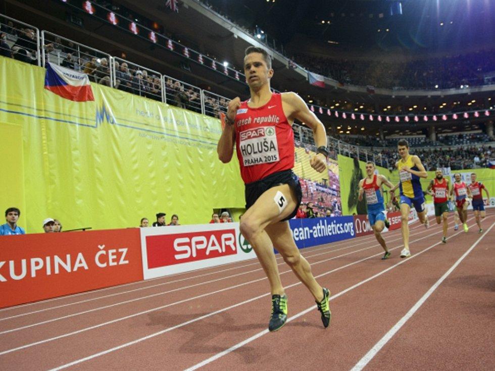 Mílař Jakub Holuša na halovém mistrovství Evropy v Praze suverénně vyhrál svůj rozběh.