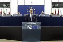Polský premiér Mateusz Morawiecki v Evropském parlamentu