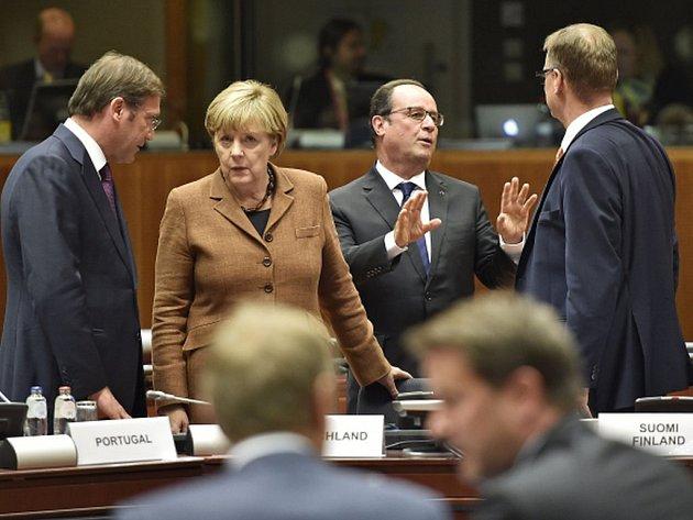 V Bruselu začala mimořádná schůzka prezidentů a premiérů zemí Evropské unii k migrační krizi.