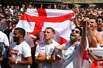 Angličtí fanoušci.