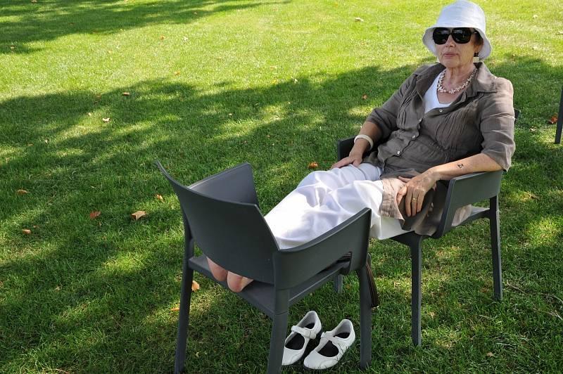 Letní horko představuje největší zdravotní rizika pro seniory a nemocné.