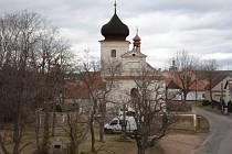 Obec Višňová, kde se natáčel seriál Chalupáři.