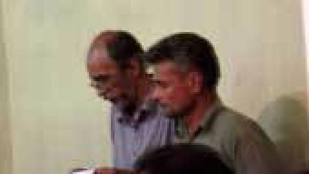 Biologové Petr Švácha a Emil Kučera,(vpravo) byli v Indii stíháni za nelegální sběr brouků