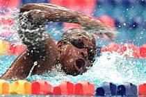"""Eric Moussambani, zvaný """"Úhoř"""", na olympiádě v Sydney."""