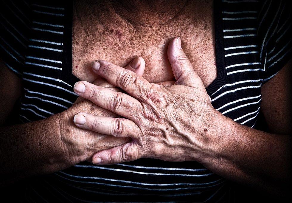 Výskyt fibrilací v populaci stoupá s narůstajícím věkem, snadváhou a vyšším krevním tlakem.