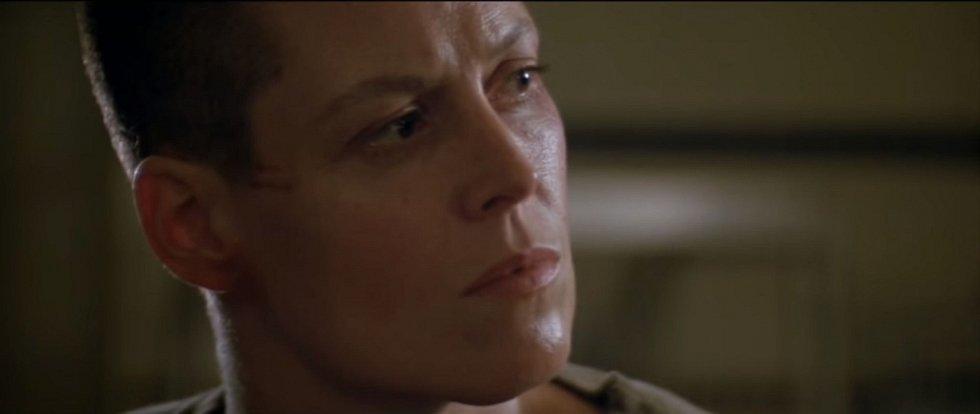 Sigourney Weaverová obětovala dlouhé vlasy v třetím dílu Vetřelce. Její hrdinka si tak vynucovala respekt mezi muži