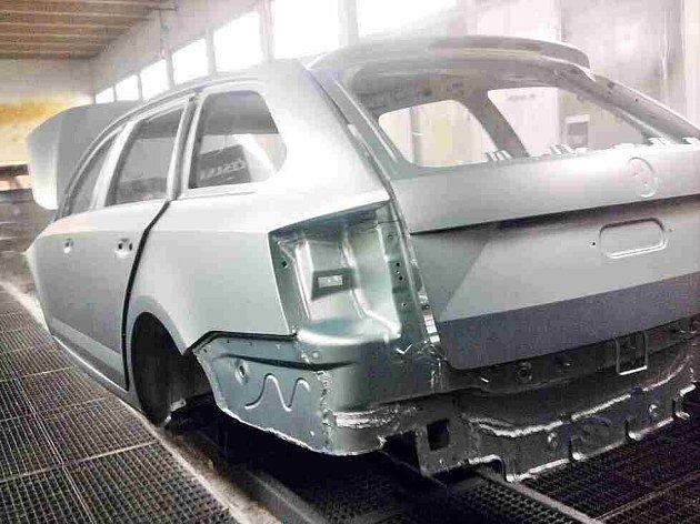 V sobotu se na internetovém foru Autorevue.cz objevily špionážní snímky dosud utajovaného vozu Škoda Octavia Combi III. Firma Škoda již začala rozsáhlé vyšetřování úniků cenných fotografií.