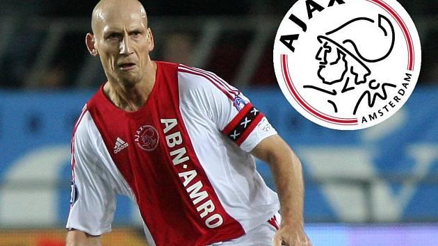 Jaap Stam je oporou zadních řad Ajaxu.